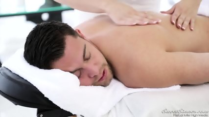 Massage With Extras - Bailey Blue - scene 2