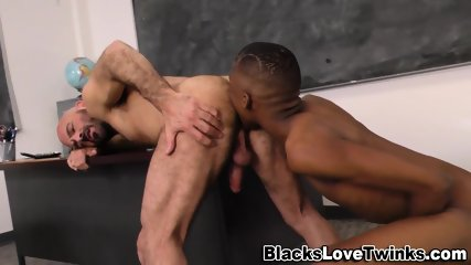 Black Teen Gets A Bj