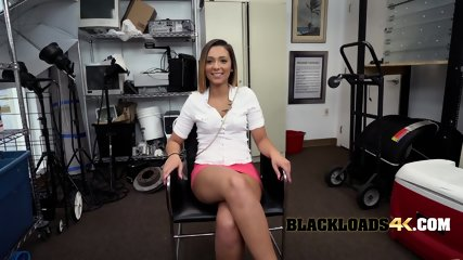 Gorgeous chick amazes director with her sluttyness