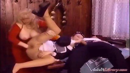 Retro Anal fisting 3some - scene 6