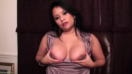 Mature Lady Plays With Herself - scene 9