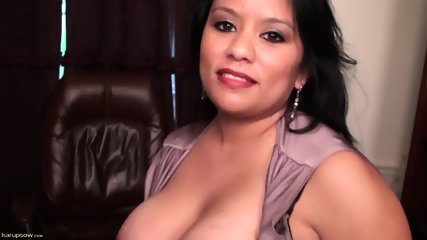 Mature Lady Plays With Herself - scene 5