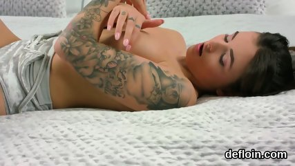 Sensual sweetie opens up tight vagina and gets devirginized