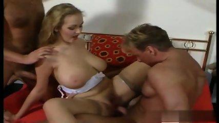 Surprise threesome czech beauty