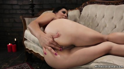 Milf anal fingers for her mistress