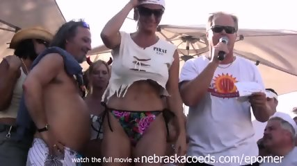 Milfs Gone Wild Pool Party - scene 5