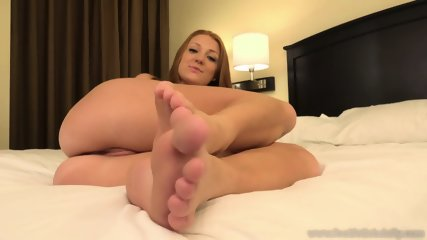Naked Girl With Sexy Feet - scene 3