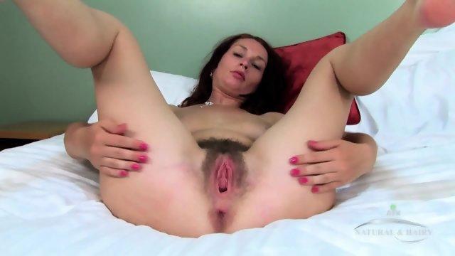 Fun With Hairy Vagina