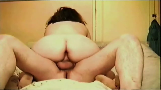 Fatty Gets Her Cunt Plugged