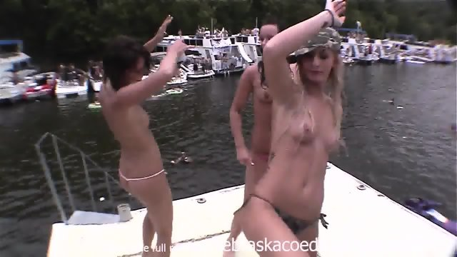 Dancing Pirate Hookers Naked In Public