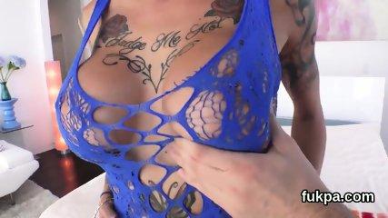 Ravishing bombshell reveals monster butt and gets anal penetrated