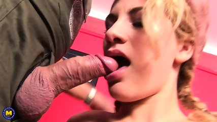 Sex Old And Young With Felicja 18 - Hot Young Girl Fucking In A Group [FullHD 1080p] - scene 4