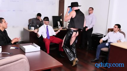 Employee gets his birthday celebrated by having a steamy threesome