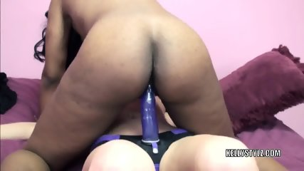 Lavender Fucks Black Lesbo Kelly Stylz - scene 3