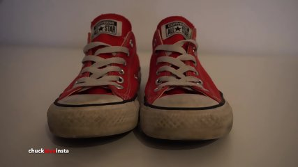 My Sisters Shoes: Red Converse low - 4K