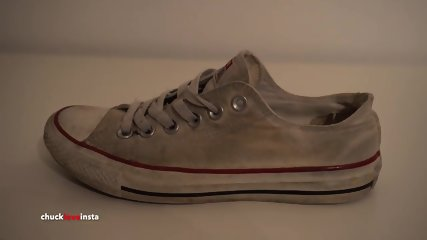 My Sisters Shoes: White Converse (dirty)