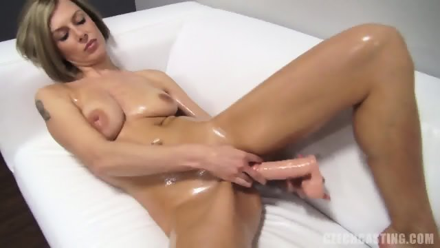Zaneta Plays With Dildo At The Casting