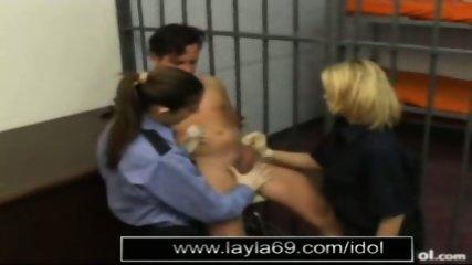 Prison guard jerks off guy for sperm sample - scene 9