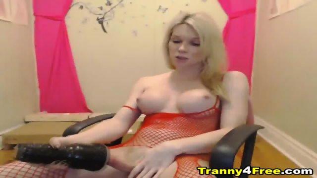 Blonde Tranny Hottie Strokes Her Cock