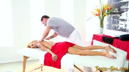 Hottie spunked by masseur