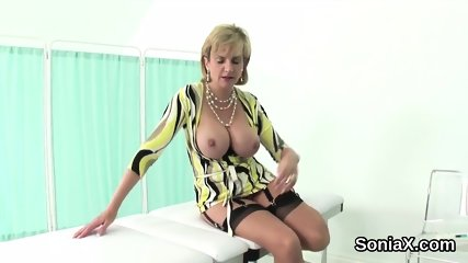 Adulterous english mature gill ellis displays her big boobs