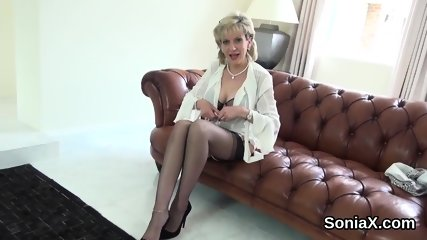 Unfaithful british milf lady sonia shows off her huge globes