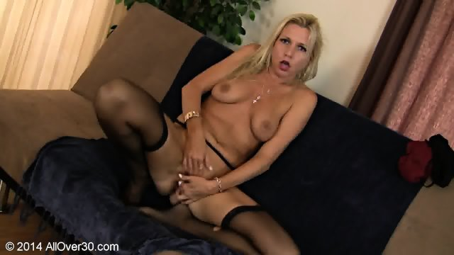 Blonde Mommy With Stockings In Solo Action