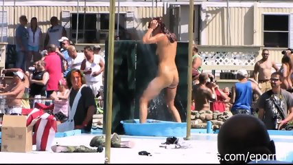 Strippers Raw And Naked In Public At Awesome Nudes A Poppin Festival Indiana - scene 5