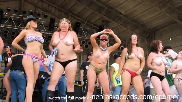 Wet And Wild Biker Chicks From Iowa