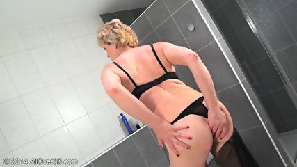 Mommy In The Bathtub - scene 4