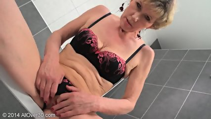 Mommy In The Bathtub - scene 5