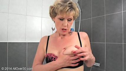 Mommy In The Bathtub - scene 6