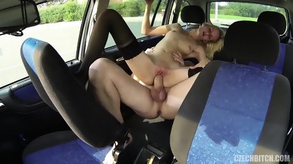 Whore Serves Customer In The Car