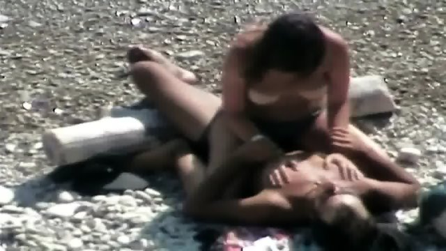 Amateur Girl Rides Her Boyfriend On The Beach