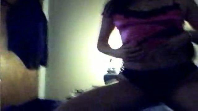 Girl masturbates infront a cam