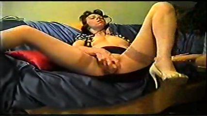 Mature inserts a dildo in her pussy - scene 10