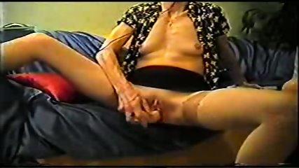 Mature inserts a dildo in her pussy - scene 7