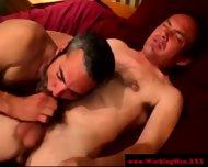 Gaysex Bluecollar Bear Gets A Facial - scene 3