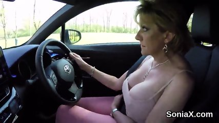 Cheating english mature lady sonia flashes her big boobs