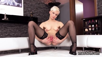 Kinky czech nympho opens up her spread crack to the strange