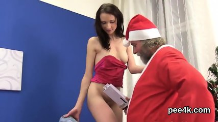Enchanting idol gets her soft slit full of warm pee and squirts