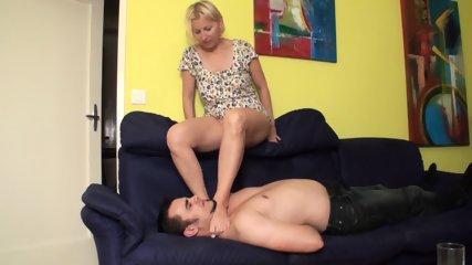 Fetish Girls choke slaves with feet