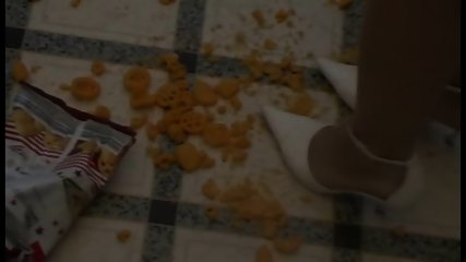 Fetish Girls crush food with heels