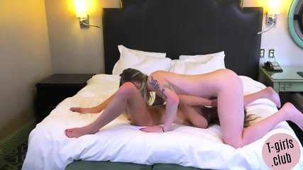Shemale babe sixtynined and fucked by lesbo