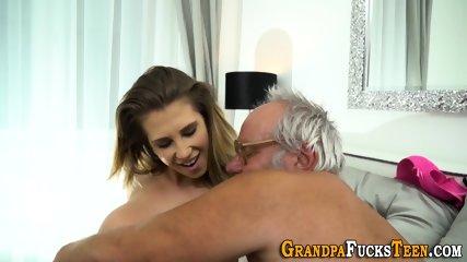 Teen gets bit tits jizzed