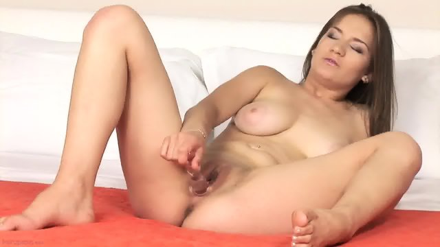 Lovely Lady Plays With Vagoo