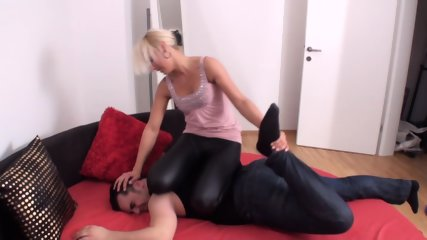 Femdom Girls wrestle men down