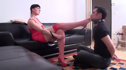 Dominant Footladies forced men to worhip their feet