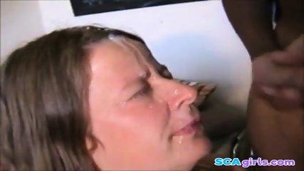 Svensk kvinna suger kuk i Borlänge
