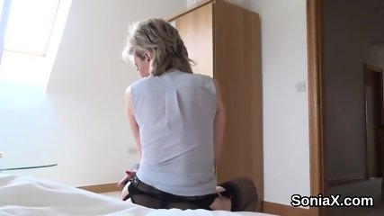 Adulterous british mature lady sonia displays her heavy tits